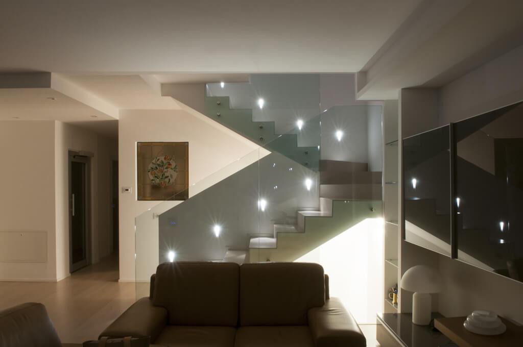Illuminazione scala interna 28 images illuminazione scale interne up28 187 regardsdefemmes - Illuminazione scale interne led ...