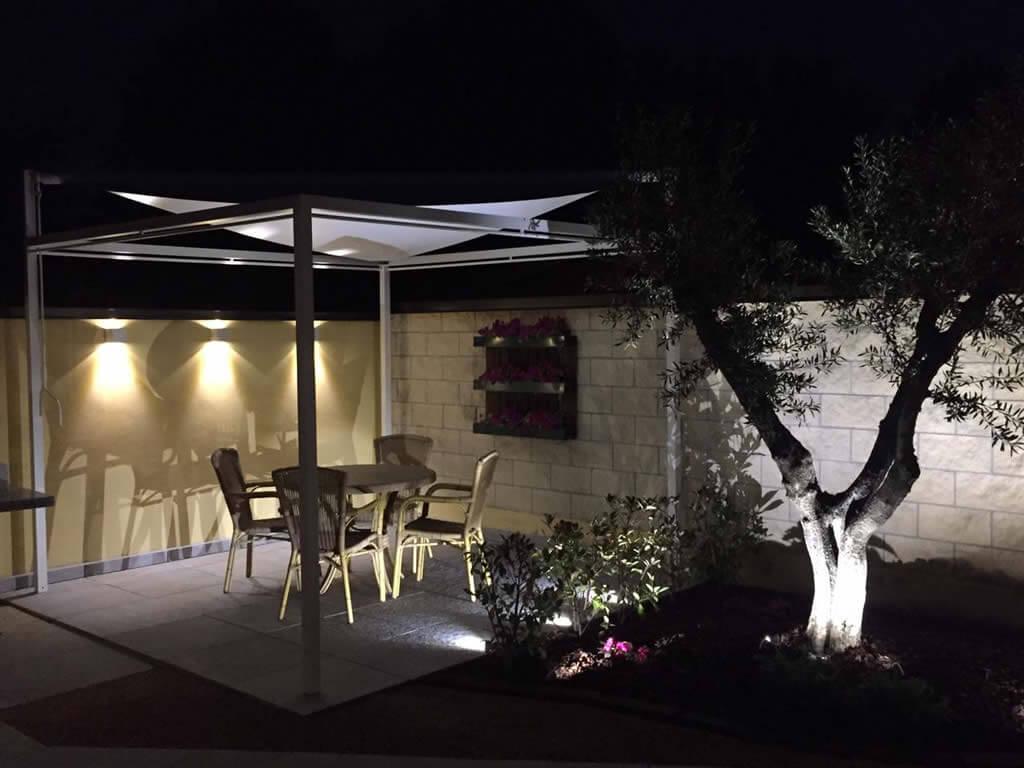 Illuminazione giardino led la luce - Illuminare il giardino ...