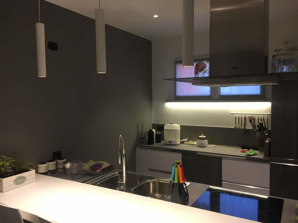 Illuminazione cucina e sala da pranzo gorla la luce - Sala e cucina ...